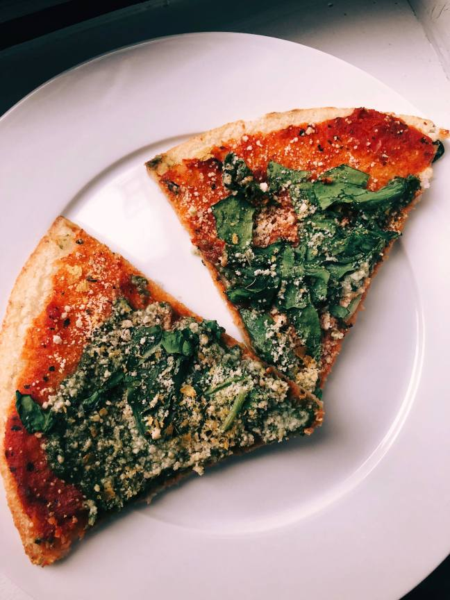 vegan pesto cauli pizza